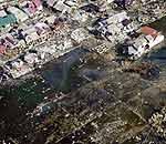 海啸过后一片废墟