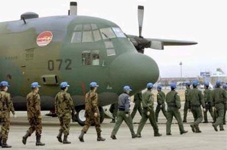 预备飞往泰国乌塔堡空军基地的日本自卫队员
