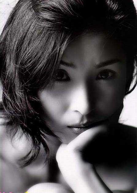 黑木瞳打败松岛菜菜子 为日本人最爱女星