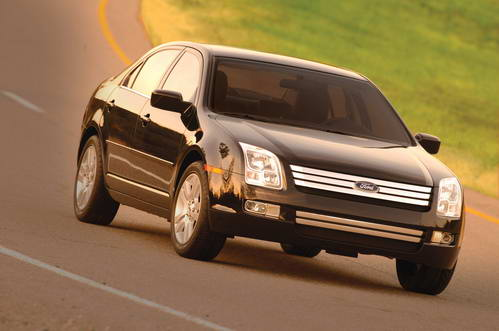 05北美车展:福特发布2006款Fusion轿车