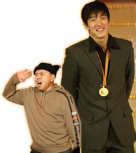 奥运冠军亮相方式大曝光 春晚刘翔修理潘长江