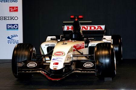 英美新车巴塞罗纳出世 本田强大引擎挑战法拉利