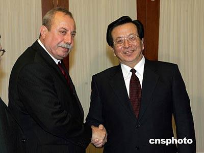 图文:曾庆红与伊临时政府副总统沙维斯会谈