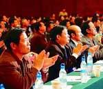 出席两会的委员们