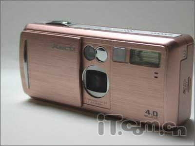这款数码相机很特别!能当半个DV用