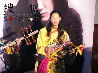 组图:王力宏北京发布新专辑《心中的日月》
