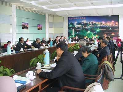 图文:包头市代表团在审议《政府工作报告》