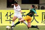 图文:中国3-0澳大利亚 刘华娜突破