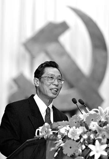 优秀共产党员先进事迹 震撼每个干部心灵(组图