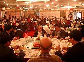 """中国各阶层""""饭局""""纵览(组图)"""