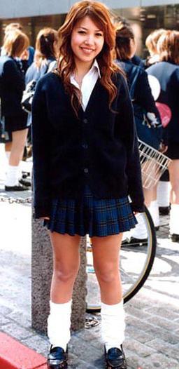 """一向走时尚可爱路线,看看几位清纯校花的""""校服诱惑"""""""