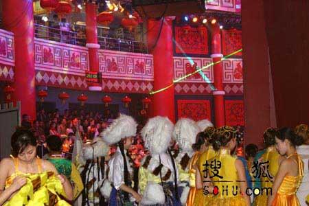 图文:2005年春晚第四次彩排现场-3