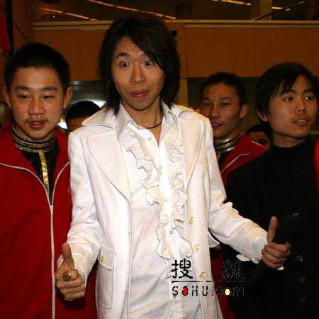 图文:2005年春晚第四次彩排 现场星光灿烂-4