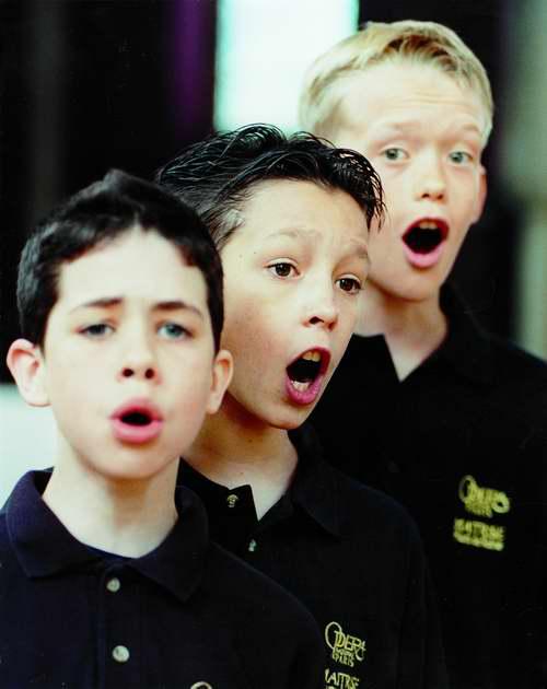 图为2005中法文化年法国巴黎歌剧院儿童合唱团《马可波罗》图片资料图片