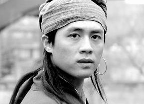 杜淳备战《大旗英雄传》(图)