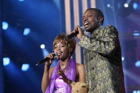 图文:2005年复赛―赞比亚的穆萨、普鲁丹丝