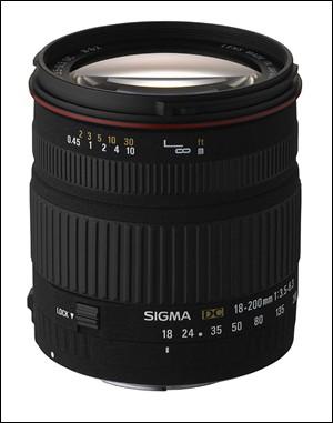 尽管这颗新型11倍光学变焦镜头在长焦段的最大光圈F6.3有点慢,不过