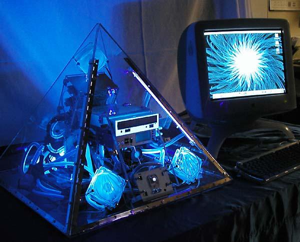 金字塔电脑; 金字塔;  千奇百怪的电脑机箱