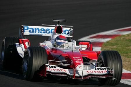2005丰田TF105正面