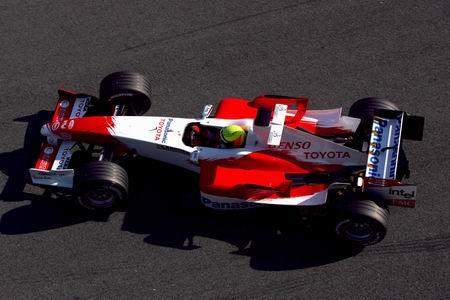 2005丰田TF105俯视图1