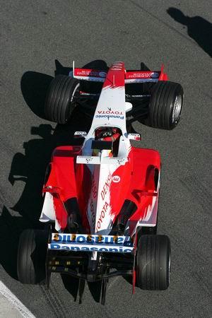 2005丰田TF105俯视图2