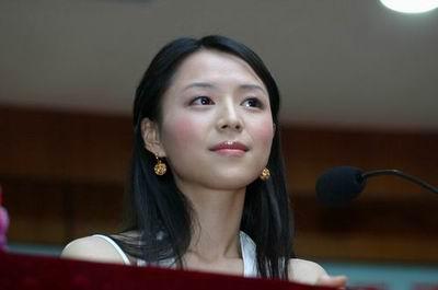 组图:《孔雀》在京庆功 张静初称自己很幸运