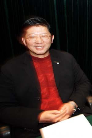 图文:中超委员会第二次会议 杨一民在会议中