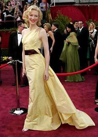 图文:女星Cate Blanchett黄色复古礼服亮相