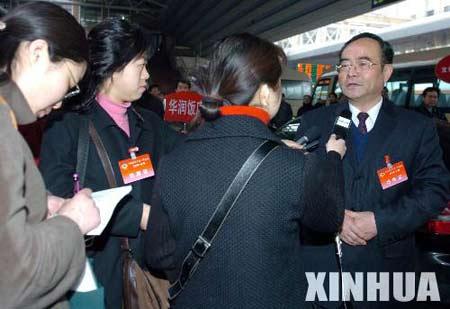 政协委员陆续抵京