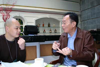 """张贤亮:两个提案上""""两会"""""""