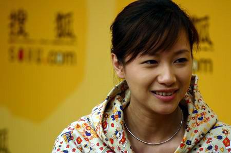 视频:徐静蕾做客搜狐 大胆阐述个人爱情观
