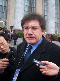 """外国记者评""""两会"""":台湾是中国一部分(图)"""