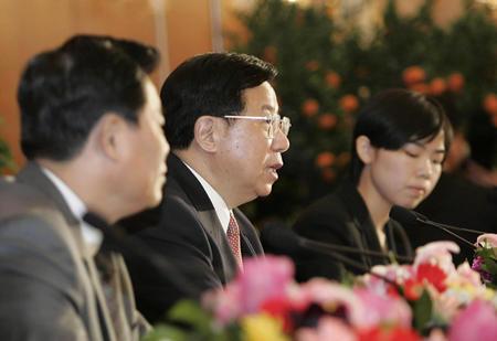 图文:十届全国人大三次会议举行新闻发布会(1)