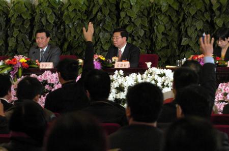 图文:十届全国人大三次会议举行新闻发布会(11)