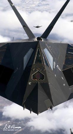"""117a型""""夜鹰""""战斗机是世界上第一种用于军事行动的低可探测性技术飞机"""