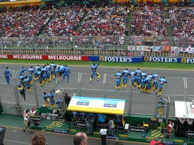 F1大奖赛澳洲站如火如荼 现场照片先欣赏