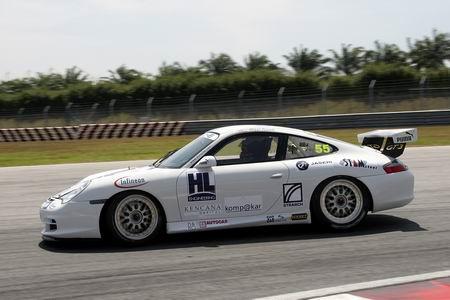 图文:马来西亚车手兰历在比赛中