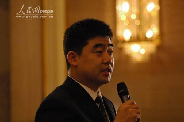 中央电视台记者提问(图)
