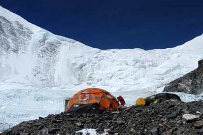 登顶珠峰第一人疑云:马·欧之迷[图]
