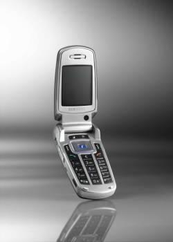 三星电子<a href='http://it.sohu.com/7/0404/46/column219924625.shtml' target=_blank>3G</a>手机群星闪耀CeBIT大展