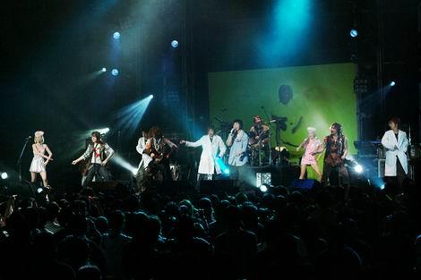 组图:五月天加州演唱会 携手梁静茹震撼美国