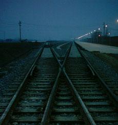 铁道部宣布改革方案:四级管理体制改为三级
