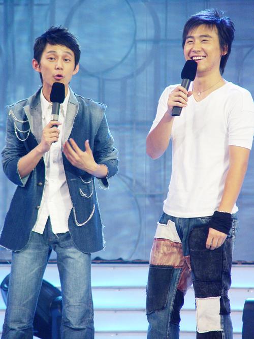 2004湖南经视明星学院-主持人马可和何炅12