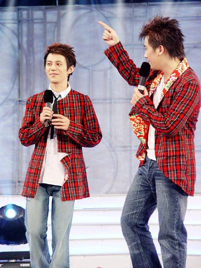 2004湖南经视明星学院-主持人马可和何炅21