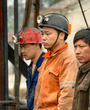 两会后的中国:和谐社会不能制造弱势群体(图)