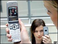 小心你的隐私 拍照手机已成偷窥狂最爱