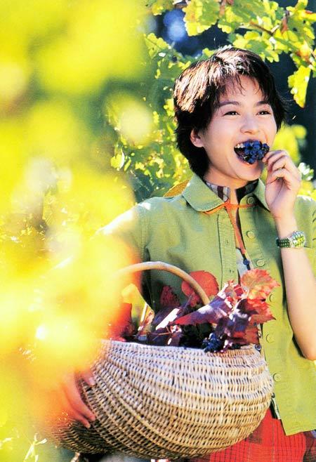 吃美女便便高清图; 吃葡萄不吃皮和籽