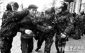 """""""颜色革命""""不停步 触角伸向白俄罗斯"""