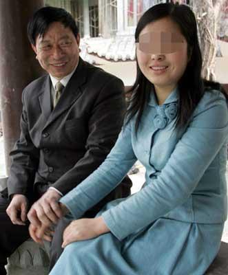 48岁乞丐要娶22岁女大学生 称卖血也要供其读书(组图)