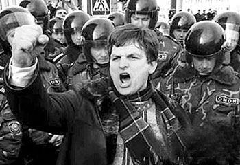 """白俄反对派要求总统下台 """"骨牌""""连接倒下(图)"""
